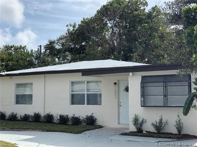 North Miami Single Family Home For Sale: 1552 NE 152nd St