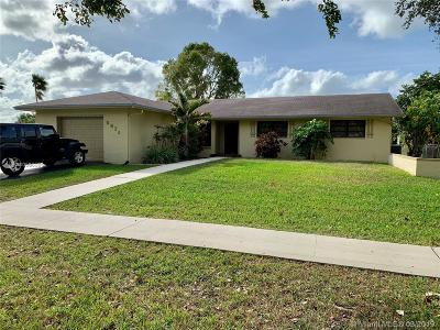 Cooper City Single Family Home Active With Contract: 5611 SW 90 Avenue