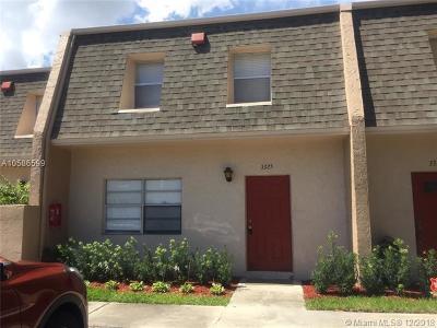 Broward County Rental For Rent: 3325 Mallard Close #44