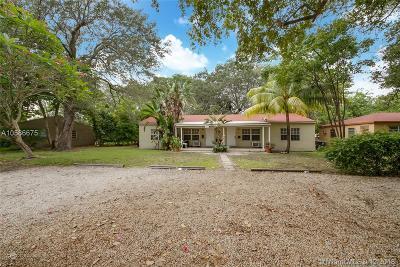 Miami-Dade County Multi Family Home For Sale: 1533 NE 131st Ln