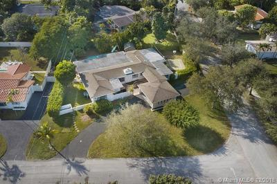 Pinecrest Single Family Home For Sale: 9200 SW 71st Ave