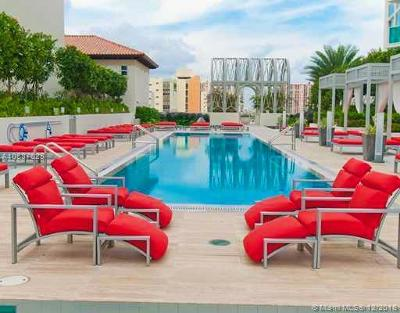 St Tropez On The Bay, St Tropez On The Bay 1 Co, St Tropez/Bay I, St Tropez Ocean, St Tropez Ocean Condo Rental For Rent: 150 Sunny Isles Blvd #1-1706