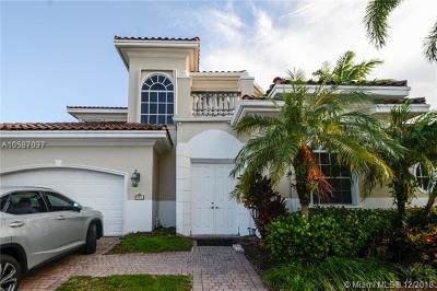 Hollywood Single Family Home For Sale: 904 Manatee Way