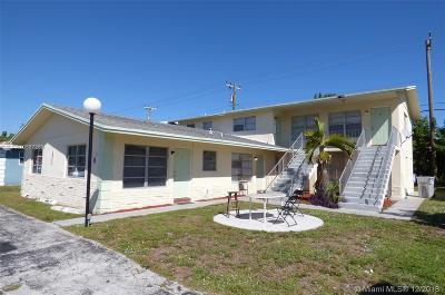 Pompano Beach Multi Family Home For Sale: 3420 NE 16th Ter