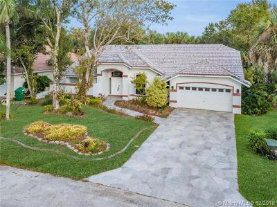 Lauderhill Single Family Home For Sale: 4856 NW 67th Ave