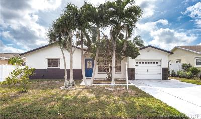 Boca Raton Single Family Home Active With Contract: 8912 SW 6th St