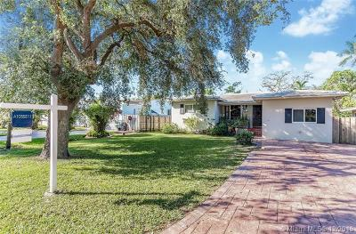 Miami Springs Single Family Home For Sale: 150 Apache St