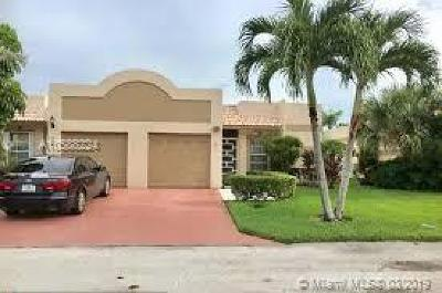 Boca Raton Condo Active With Contract: 18771 Stewart Circle #7