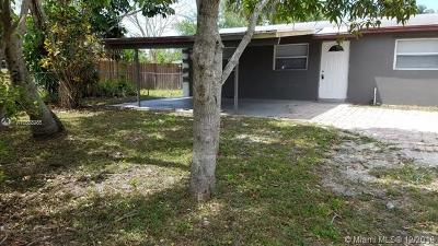 Palm Beach Single Family Home For Sale: 5421 Helene Pl