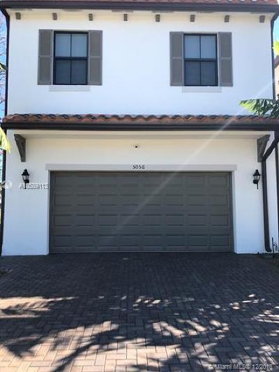 Riviera Beach Single Family Home For Sale: 5056 Laurel Oak Dr
