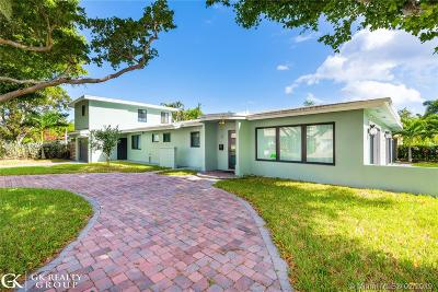 Lauderdale By The Sea Single Family Home Active With Contract: 283 S Tradewinds Ave