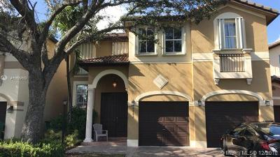 Doral Condo Active With Contract: 4842 NW 109 Th Pl #4842