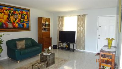 Cutler Bay Condo For Sale: 10370 SW 220th St #215
