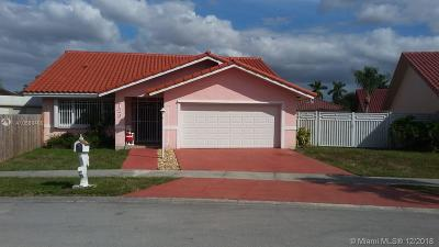 Miami Single Family Home For Sale: 5123 SW 142nd Pl