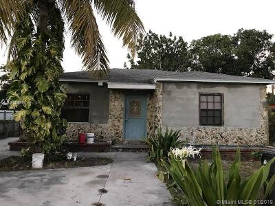 North Miami Single Family Home For Sale: 905 NW 124th St