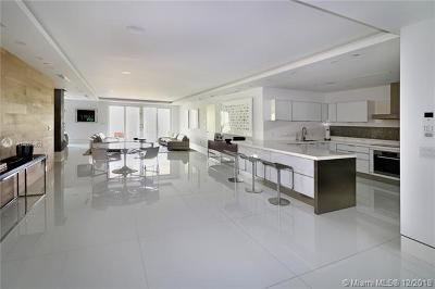 Coconut Grove Condo For Sale: 3535 Hiawatha Ave #305