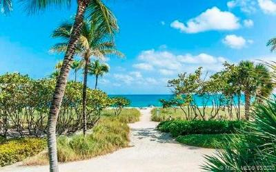 Bal Harbour Condo For Sale: 10185 Collins Ave #822