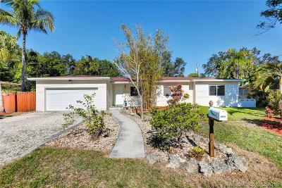 South Miami Single Family Home Active With Contract: 6601 SW 64th Street