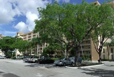 Pompano Beach Condo For Sale: 2661 S Course Dr #301