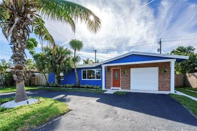 Deerfield Beach Single Family Home For Sale: 324 SE 10th St