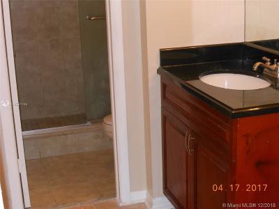 Lauderhill Condo For Sale: 6575 W Oakland Park Blvd #218