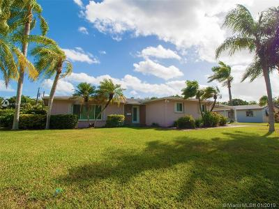 Single Family Home For Sale: 15725 SW 89th Ave