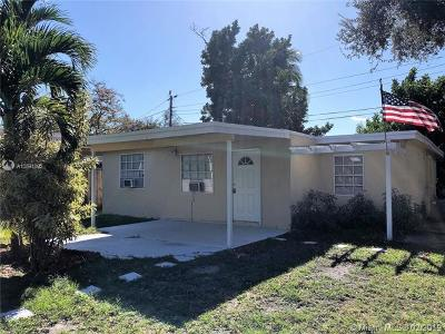 Hollywood Single Family Home For Sale: 1120 N 61st Ave