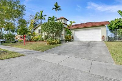 Cutler Bay Single Family Home For Sale: 8107 SW 203rd St