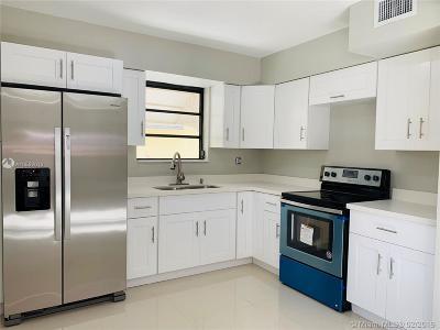 North Miami Single Family Home For Sale: 95 NE 128th St
