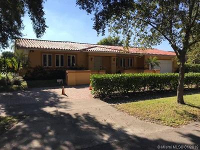 Miami Lakes Single Family Home For Sale: 7010 Gleneagle Dr