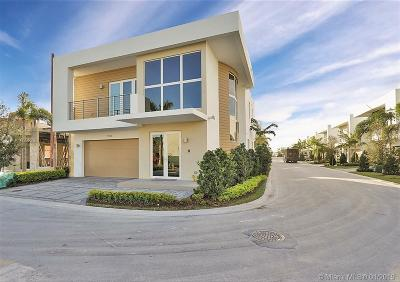 Doral Single Family Home Active With Contract: 7540 NW 97th Pl