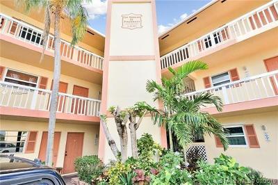 Fort Lauderdale Condo For Sale: 1400 NE 57th Ct #106