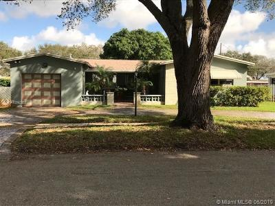 Cooper City Single Family Home For Sale: 8871 SW 49th Ct