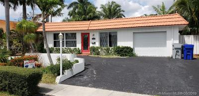 Pompano Beach Single Family Home For Sale: 251 SE 11th St
