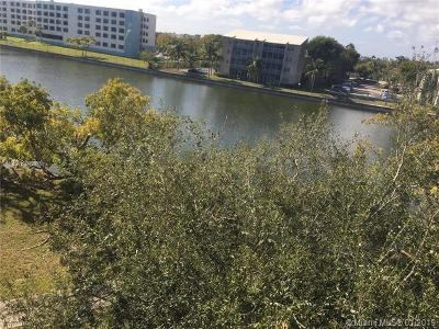 Cutler Bay Condo For Sale: 8260 SW 210th St #310