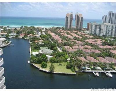 Aventura Condo For Sale: 19355 Turnberry Way #25A