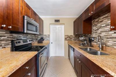 Pompano Beach Single Family Home For Sale: 3080 NE 12th Ave