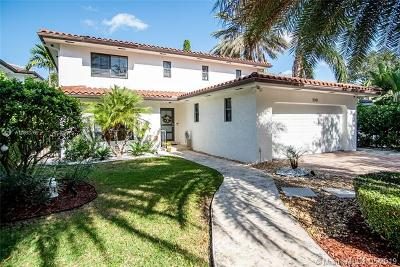 Coral Gables Single Family Home For Sale: 1043 Alfonso Ave