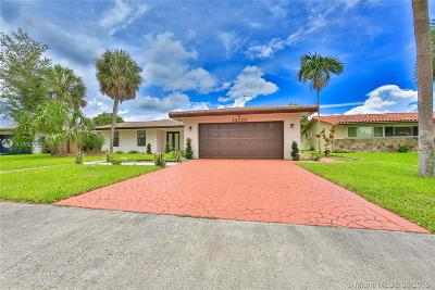 Miami Lakes Single Family Home Active With Contract: 14720 Dade Pine Ave