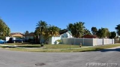 Miami Single Family Home For Sale: 4421 SW 135th Ave
