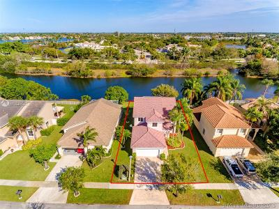 Pembroke Pines, Miramar Single Family Home For Sale: 251 SW 178th Way
