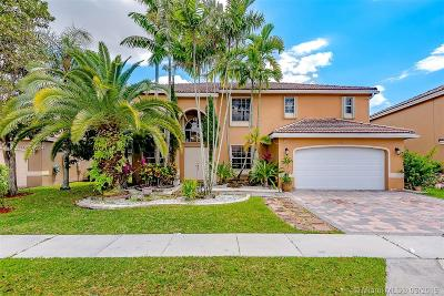 Pembroke Pines Single Family Home For Sale: 19922 SW 3rd Place