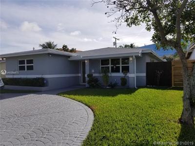 Hollywood Single Family Home For Sale: 4026 N Cir Dr