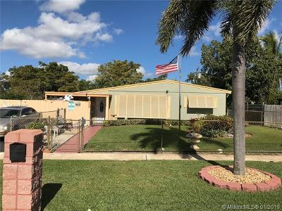 Lake Worth Single Family Home For Sale: 3689 Tallulah