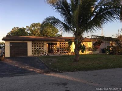 Miramar FL Single Family Home For Sale: $300,000