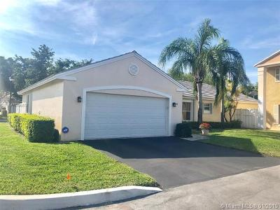Plantation Single Family Home For Sale: 9541 NW 9th Ct