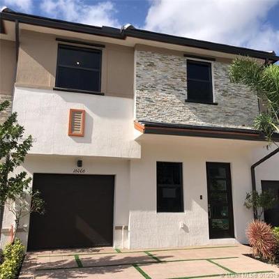 Miami Lakes Condo For Sale: 16006 NW 91st Ct #16006