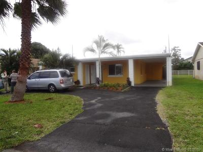 Palm Beach County Multi Family Home For Sale: 4372 Tellin Ave