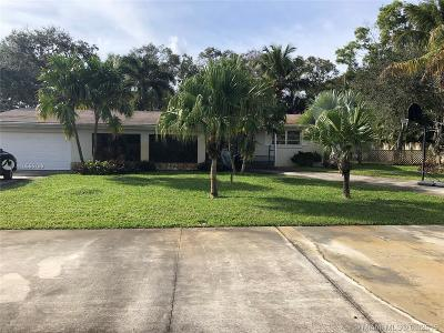 Palm Beach County Single Family Home For Sale: 15147 Jamaica Dr