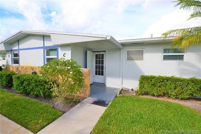 West Palm Beach Condo For Sale: 2675 W Emory Dr #C